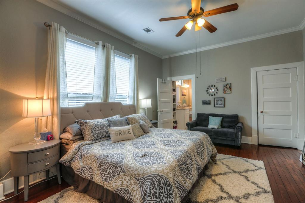 This is the 2nd master sized bedroom. This room can also fit a king sized bed and also features a giant walk-in closet. Classic 5 panel doors and fixtures are featured in this room and throughout the home. You'll also love the high ceilings throughout.