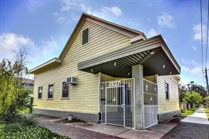 Houston Home at 2627 Avenue L Galveston , TX , 77550 For Sale