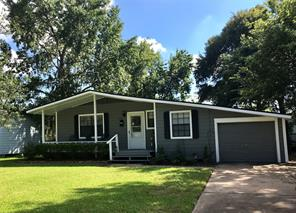 120 jasmine street, lake jackson, TX 77566