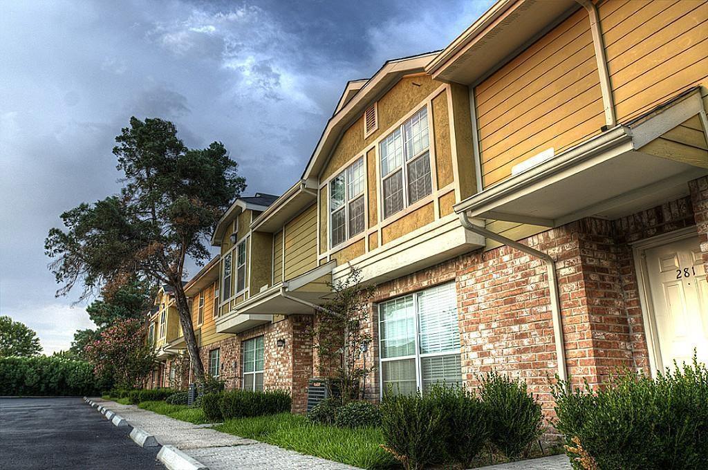 1520 Sherwood Forest Street 326 Houston Tx 77043 Har Com