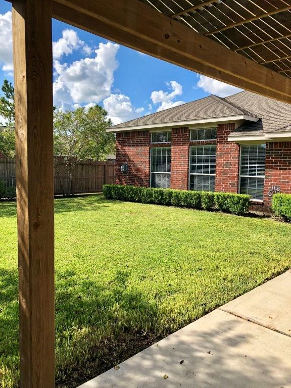 11308 Madison Court, Pearland, TX 77584 | Better Homes and Gardens ...