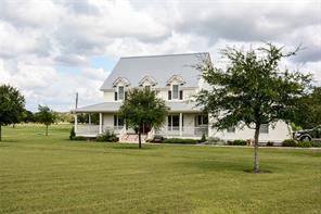 5034 Roznov Rd, Fayetteville TX 78940