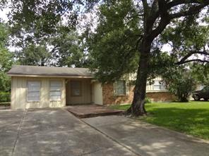 9235 linda vista road, houston, TX 77078