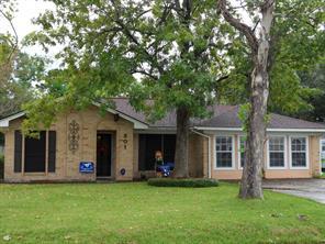 301 Winding, Friendswood, TX, 77546