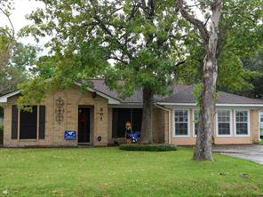 Houston Home at 301 Winding Road Friendswood , TX , 77546-2112 For Sale