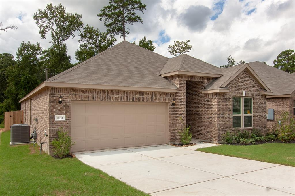New home that has never been lived in.  3 bedrooms, 2 bathrooms, 2 car garage, and a study/office.  Home has a covered back patio and has no back neighbors.  Please look at the pictures for all the detailed descriptions this home has.