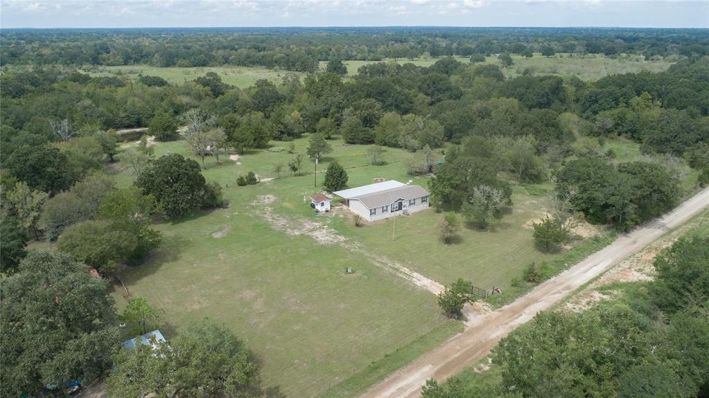 3615 Connor Ln, Madisonville, TX 77864