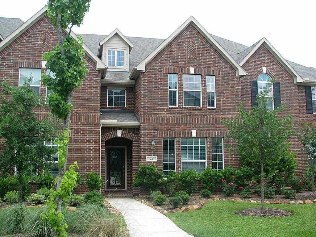IMMACULATE, BEAUTIFUL, FULLY FURNISHED, 3 BEDROOMS, 2.5 BATHS TOWN-HOMES IN STERLING RIDGE. LIST PRICE IS FOR 4 -12 MONTH LEASES. IT CAN BE LEASED FOR SHORTER TERM LEASES, INCLUDING WEEKLY LEASES. CONTACT AGENT TO GET CORRESPONDING RATES. WALKING DISTANCE TO DERETCHIN ELEMENTARY.