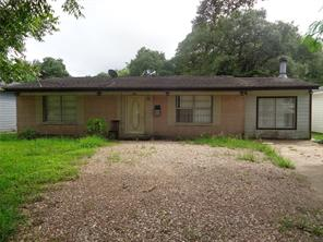 231 w orchard street, clute, TX 77531