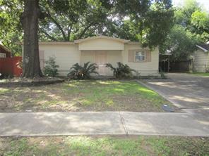 906 Bryan, Pasadena TX 77506