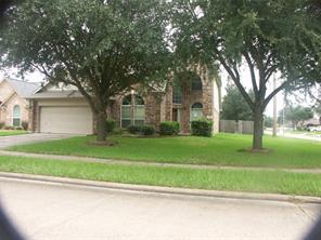 2102 laurel oaks drive, houston, TX 77014