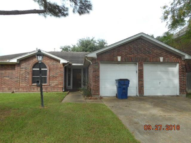 3 bedrooms and 2 full bathrooms. 2 dining areas or it could be 2 living areas. Master bedroom has an add-on, creating a huge master with sitting area. Diamond in the rough