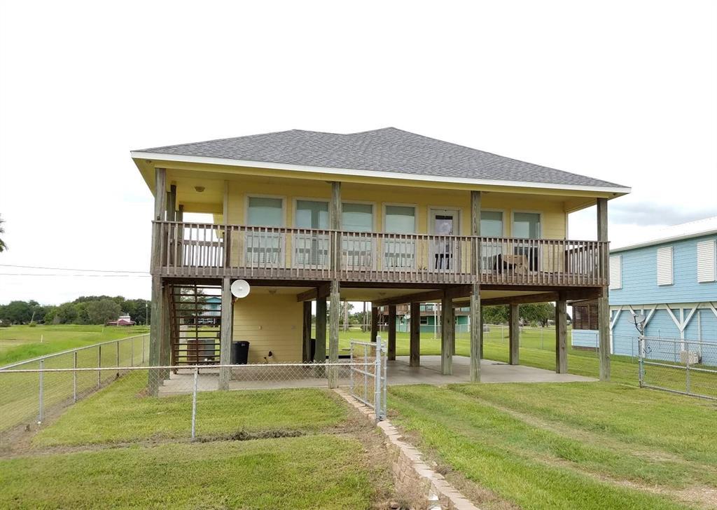 1931 W Bayshore Drive, Palacios, TX 77465