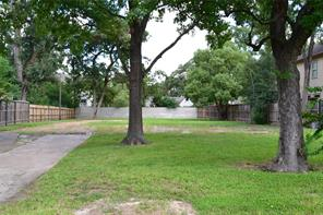Houston Home at 802 W 30th Street Houston , TX , 77018-8204 For Sale