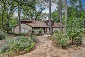 222 Pin Oak Lane, Magnolia, TX 77354