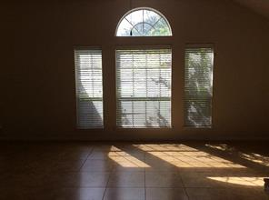 Large windows in front to let in lots of light.
