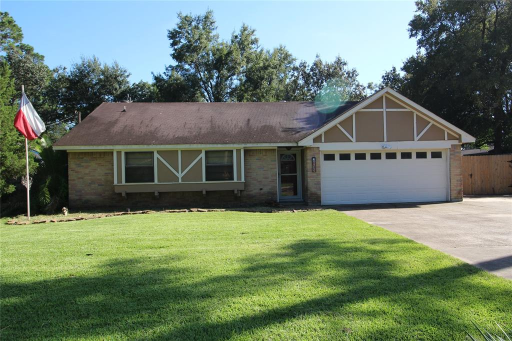 9622 Bayou Woods Drive, Baytown, TX 77521