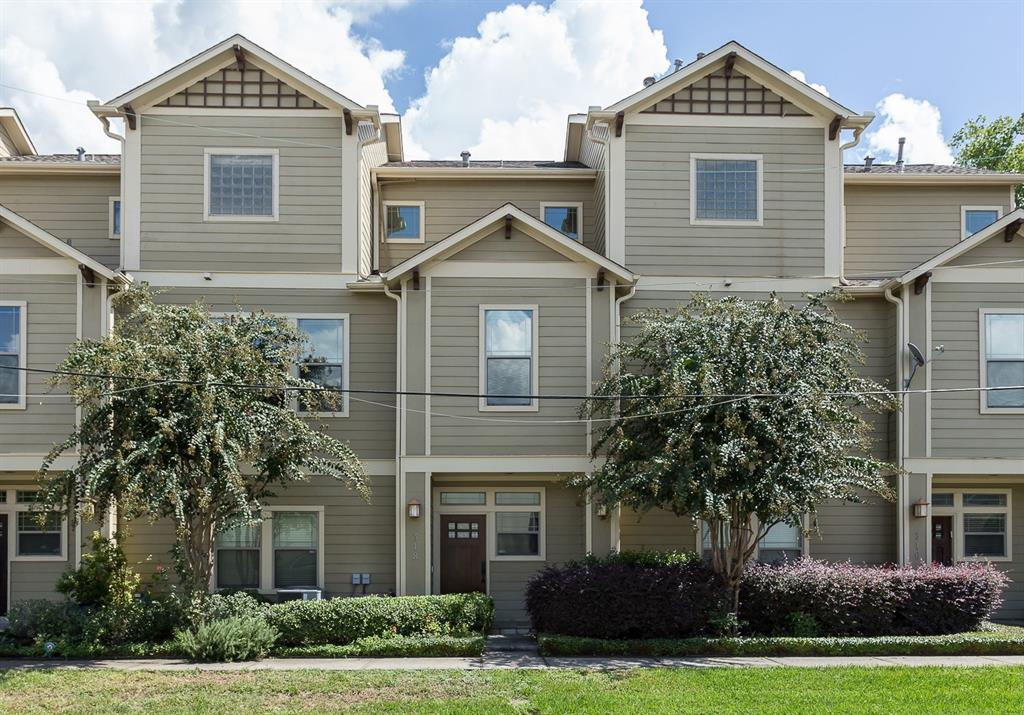 Beautifully maintained Rice Military townhome with lots of recent upgrades including new roof, new Carrier ACs, new tankless hot water heater and Nest thermostat.