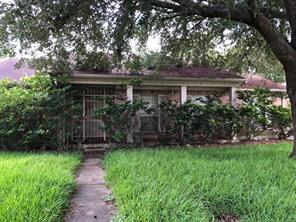 12707 Crow Valley, Houston TX 77099