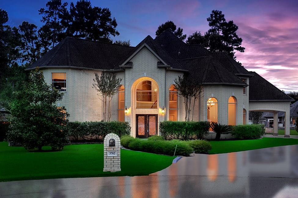 Exceptional home nestled on 1.12 acres on a cul-de-sac street in Benders Landing! Zoned to exemplary schools (brand new high school), amenities include hike/bike trails, lakes, parks, pools with splash pad, soccer and baseball fields, basketball and tennis courts, and easy access to I-45 and Grand Pkwy! Soaring ceilings, Travertine and hardwood floors, detailed trim work, neutral paint palette and abundant storage throughout. Island kitchen with SS appliances, double oven and breakfast bar opens to sunny breakfast room; both formals; beautiful study; master retreat and guest quarters down with full bath down; three bedrooms and game room up; 2nd floor garage apartment with full kitchen; all bedrooms have huge closets; large driveway, oversized 3 car garage plus porte-cochere ensures plenty of parking for guests; Secluded backyard has covered patio, outdoor kitchen and gazebo surrounded by mature shade trees.