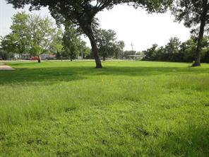 7550 college street, beaumont, TX 77707