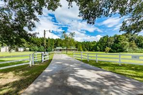 576 County Road 2268, Cleveland TX 77327