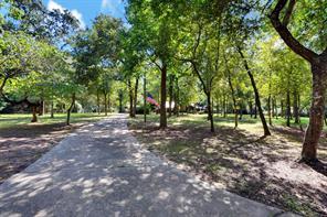 715 sentinel oaks, pinehurst, TX 77362