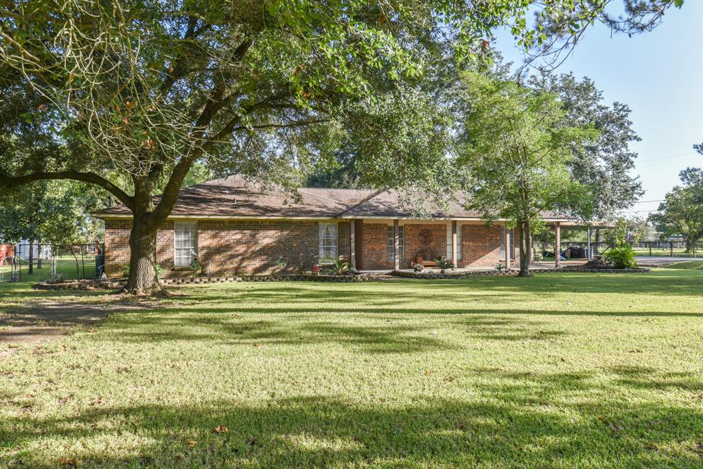 9147 Courtney Drive, Highlands, TX 77562