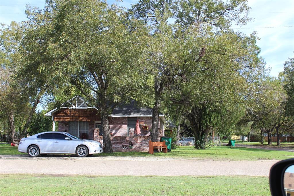 110 S 1st Street, Rosebud, TX 76570