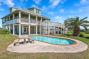 979 Rancho Carribe, Crystal Beach TX 77650