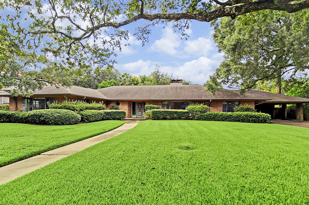 Located in desirable Old Braeswood and zoned to highly sought after Roberts Elementary, 2425 Maroneal is ready to be renovated to current design styles, or build your new construction dream home. This spacious 4421 square foot Mid Century family home sits on a 15,840 square foot pool sized lot shaded by mature Live Oaks. Bring your designer or contractor and let your imagination run free. Minutes from Rice Village, Rice University, and the Med Center. Morningside Park is just four doors away. Never flooded as per seller.