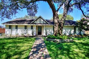 5616 pine street, houston, TX 77081