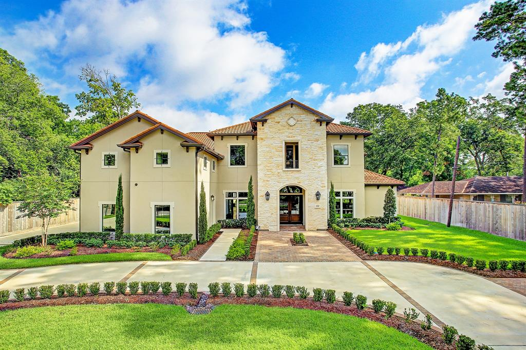 9230 Westview Drive, Houston, TX 77055