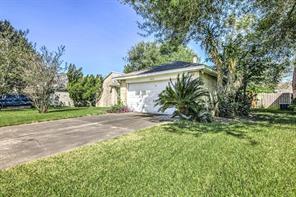 5418 Sugar Creek Drive, La Porte, TX 77571