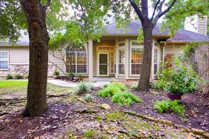 102 Valley Oaks, The Woodlands TX 77382