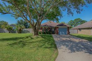 3900 Wood Sorrel Drive, Dickinson, TX 77539