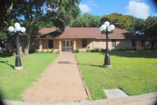 163 Holly Lane, Van Vleck, TX 77482
