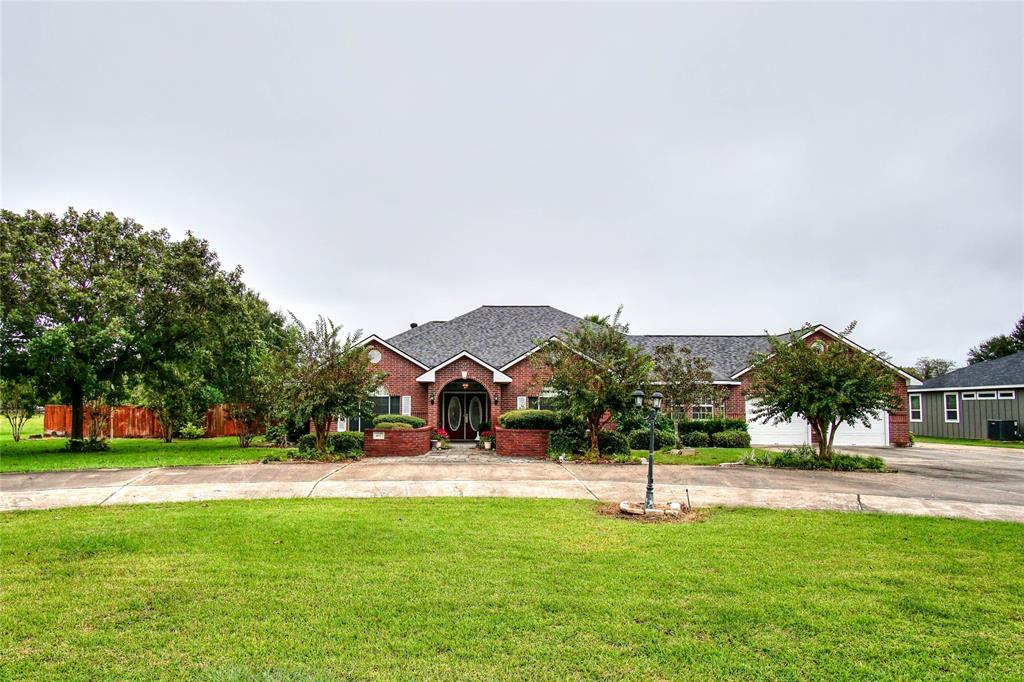 407 Old Wharton Road, East Bernard, TX 77435