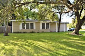 523 elm street, lake jackson, TX 77566