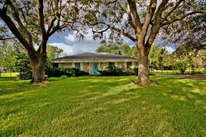 6207 Ellen, Brookside, TX, 77581