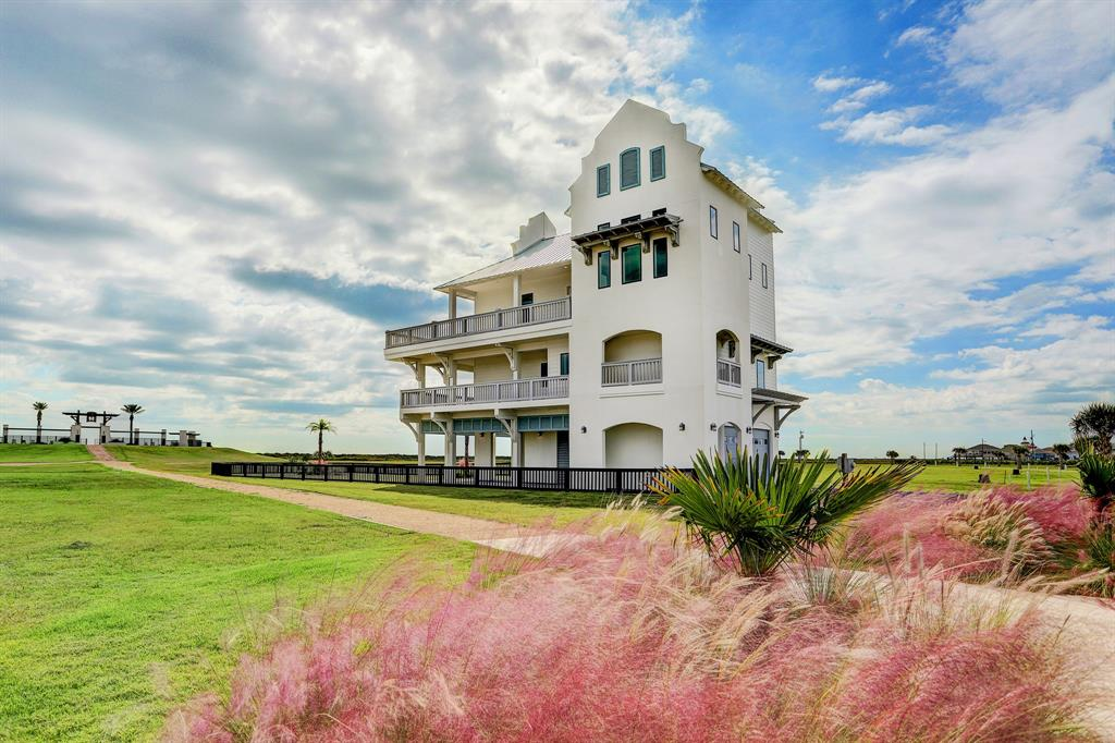 336 Seagrass, Crystal Beach, TX 77617