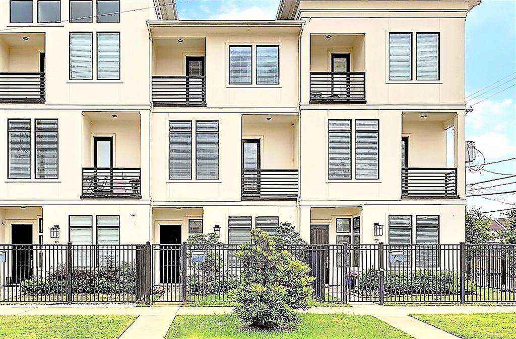 !!Prime Washington Corridor Locale-NO FLOODING DURING Harvey!! BEAUTIFUL Gated Newer Construction Townhome W/3 Levels/3 Bedrooms/3.5 Baths/2 Car Garage/Game-Room/Study W/Wood Floors & Full Bath. Sprawling 2nd Floor W/Island Kitchen, Wine Room, Breakfast Room & Family/Living Room - All Wood Floors. 3rd Floor Has Master Suite, Utility Room & Guest Bedroom W/Full Bath. Balconies Off Front & Rear Of Home With Custom Made Screened Doors That Allow Enjoyment Of Fresh Breezes Along With Windows That Have Custom Designed and Imported Window Treatments. Your New Home Has EVERYTHING Close By, Memorial Park, Biking/Walking Trails, Patio Restaurants, Entertainment Venues, Art Galleries, Abundant Shopping Opportunities Only 5 Minutes From Downtown/Midtown/Neartown/Montrose/River Oaks. Everyone's been talking about the NEW HEB that will be down the street in Buffalo Heights and The GOOD NEWS IS before you know it, will definitely be there. This Home has MANY THINGS TO OFFER - No Pets Accepted