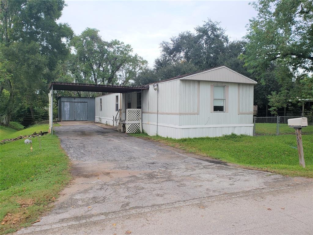 902 Ferol Lane, Highlands, TX 77562