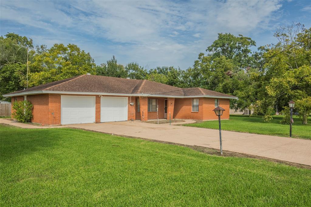 514 Park Street, Highlands, TX 77562