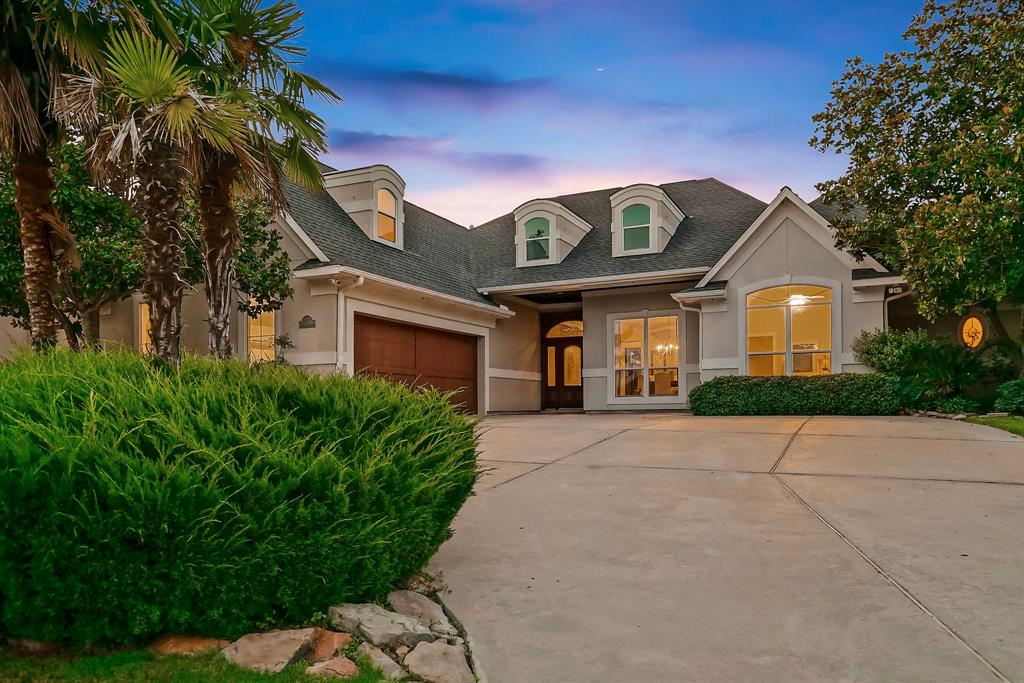 "Beautiful custom home on the green of #17 Weiskopf where the golf course meets the water! Spectacular views of Lake Conroe, 16th & 18th fairways. Custom features throughout include seamless glass windows, built-ins, wood floors, glazed walls, Gourmet kitchen, built-in fridge, professional 48"" gas range, 2 ovens, walk-in pantry, 3 zoned A/Cs (replaced 2015/2016/2017). Utility off master bath! 2 spacious guest bedrooms with a jack and jill bath. One staircase leads you to the game/flex/media room & exercise room, while the other staircase takes you to the 4th bedroom w/ private bath. Freshly remodeled baths, new carpet, refinished floors, and fresh paint. Large covered screened porch with views galore! Social Club membership included, Full Golf Country Club membership available. Located on the north side of Lake Conroe, the Bentwater subdivision boasts of 54 holes of golf, 2 pools, yacht club and marina, tennis, fitness center, park, and a 24-hr manned gated access."