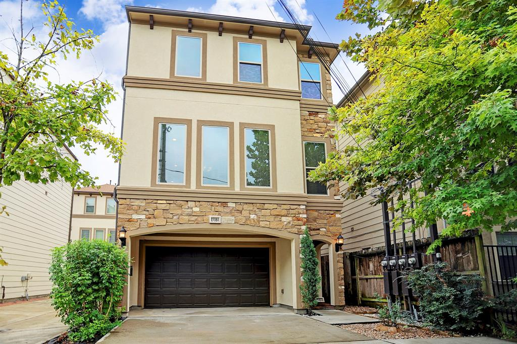 Beautiful open floor plan 3 bedroom 3 bathroom with study home in Rice Military that has a private driveway and a large back patio area! Located near shops and restaurants as well as Memorial Park and Buffalo Bayou Park. Also convenient to to get to Downtown, Galleria, Energy Corridor and Medical Center. The Chefs kitchen with granite counter tops and stainless steal appliances is perfect for entertaining. The large master bath and closet are amazing and unique. The landing on 3rd floor is the study area to be used as a home office or additional living space. Lots of storage. Additional parking. Never flooded. And a must see!