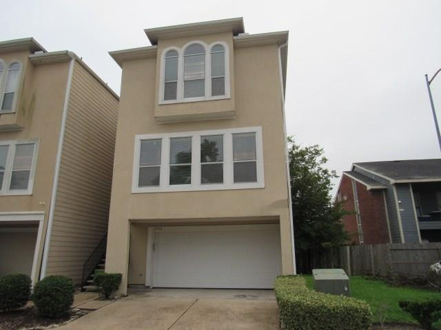 Three story home situation in the Gated Panther Point Community!  This 3 Bedroom, 3 full and 1 Half Bathroom property features open Kitchen, Dining & Living Rooms.  Each Bedroom has its own bathroom plus a main floor half bathroom. Great location provides easy access getting you where you need to go.   It won't last long!