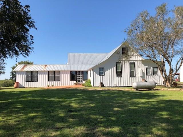 4105 Cherokee Rose Lane, Bleiblerville, TX 78931