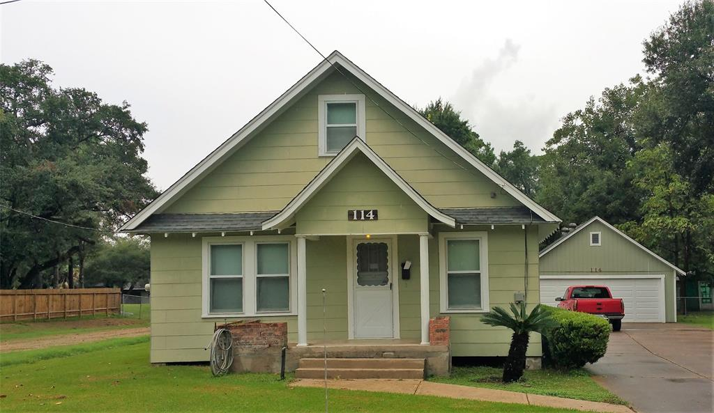 114 S 6th Street, Highlands, TX 77562