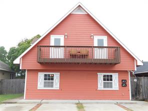 4206 avenue s 1/2, galveston, TX 77550